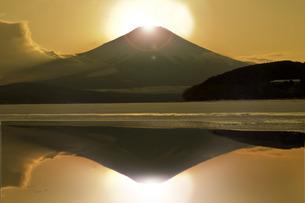 富士山 年賀状イメージの写真素材 [FYI00247216]