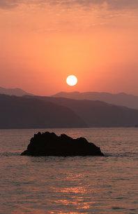 奄美の夕日 大浜海浜公園の素材 [FYI00248729]