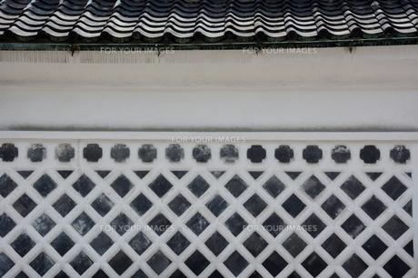 白壁のある街の素材 [FYI00248757]