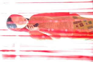 人形写真 電話の写真素材 [FYI00249242]