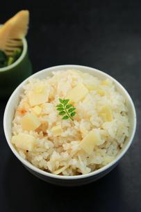 筍ご飯の写真素材 [FYI00249313]