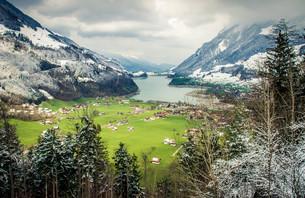 スイスの村の素材 [FYI00249702]