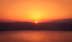 死海と夕日の素材 [FYI00249780]