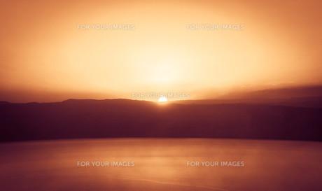死海と夕日の素材 [FYI00249786]