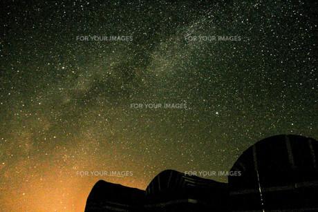 ワディ・ラムと星空の写真素材 [FYI00249795]