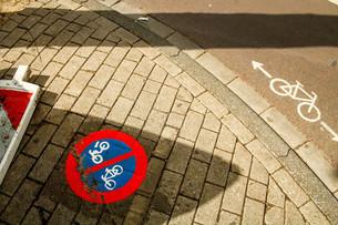アムステルダムと自転車の素材 [FYI00249832]