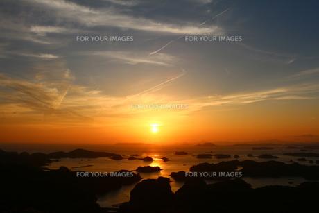 九十九島の夕陽の写真素材 [FYI00250371]