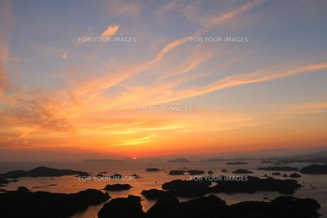 九十九島の夕陽の写真素材 [FYI00250374]