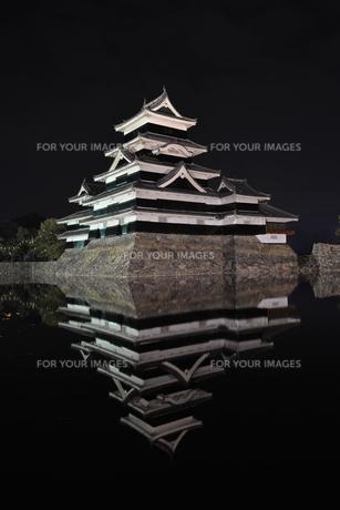 国宝 松本城の写真素材 [FYI00250818]