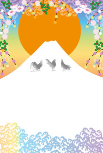 日の出富士とニワトリのカラフルなグリーティングカードの写真素材 [FYI00253045]