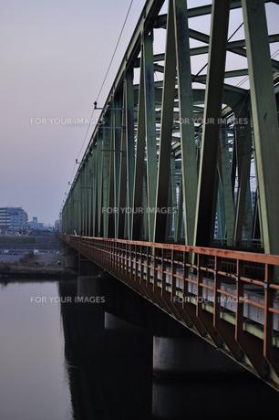 冬の鉄橋の写真素材 [FYI00253416]
