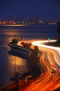 別大国道と夜景と月明かりの写真素材 [FYI00253611]