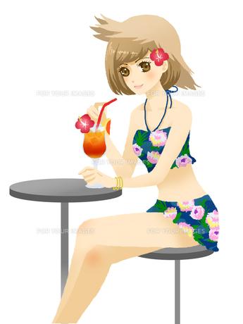 飲み物を飲む、水着の女性の写真素材 [FYI00254265]