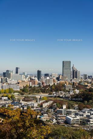 仙台城跡より都心を望む 秋の写真素材 [FYI00254283]