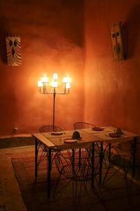 モロッコのダイニングルームの写真素材 [FYI00254794]