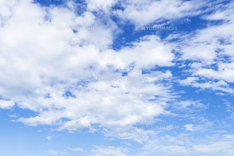 青空と雲の素材 [FYI00255100]