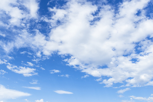 青空と雲の素材 [FYI00255101]