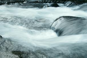 岐阜県・長良川の流れの写真素材 [FYI00255507]