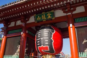 Senso-ji Temple Kaminari-mon Gateの写真素材 [FYI00255742]