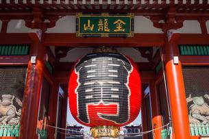 Senso-ji Temple Kaminari-mon Gateの写真素材 [FYI00255748]
