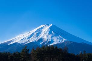 冬の富士山の写真素材 [FYI00256020]