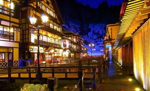 銀山温泉の写真素材 [FYI00256050]