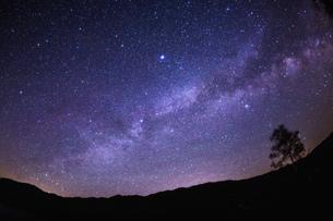 満天の星空の写真素材 [FYI00256221]