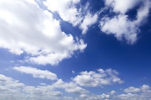 青空と雲の写真素材 [FYI00256955]