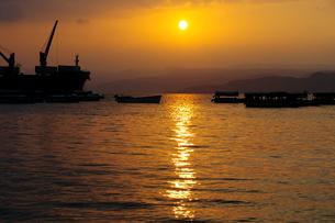 紅海の夕日の写真素材 [FYI00257158]