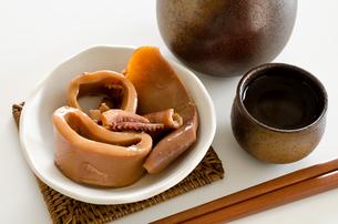 缶詰の味付イカの写真素材 [FYI00258247]