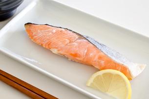 鮭の塩焼きの写真素材 [FYI00258479]