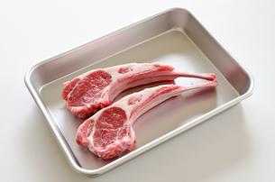 骨付きラム肉の写真素材 [FYI00258661]