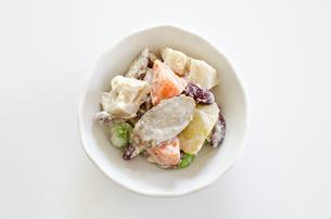 根菜サラダの写真素材 [FYI00258757]