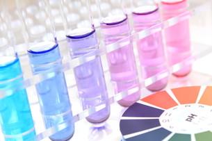実験 pH測定の写真素材 [FYI00259132]