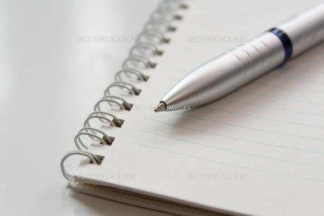 ビジネスイメージ 手帳とペンの写真素材 [FYI00259331]