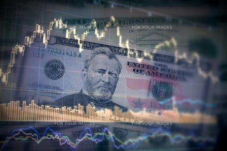 アメリカドル 為替レート 株価のイメージの素材 [FYI00259388]