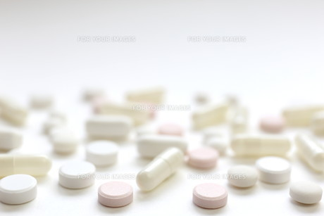 医薬品 飲み薬の素材 [FYI00259479]
