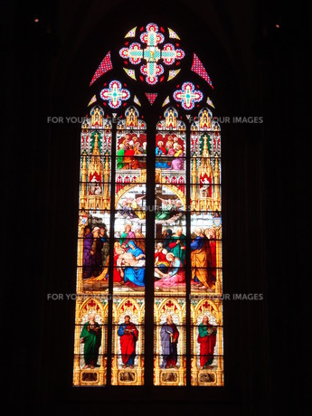 大聖堂のステンドグラスの写真素材 [FYI00259725]