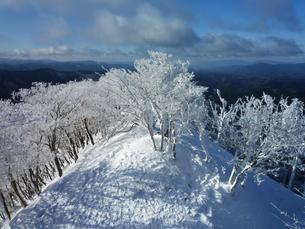 樹氷の峰の写真素材 [FYI00259785]