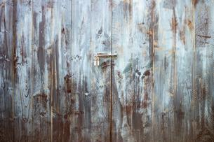 木の扉の写真素材 [FYI00259828]