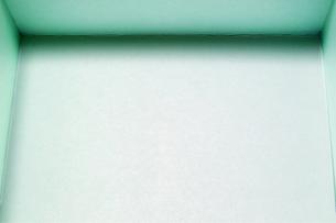 エメラルドグリーンの箱の写真素材 [FYI00259874]