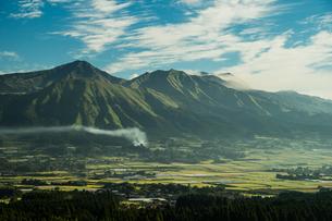 南阿蘇の朝の風景の写真素材 [FYI00260135]