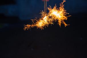 線香花火の写真素材 [FYI00260961]