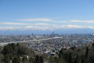 春の富山平野の写真素材 [FYI00261225]
