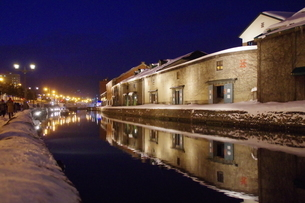 冬の小樽運河の夜景の素材 [FYI00261318]