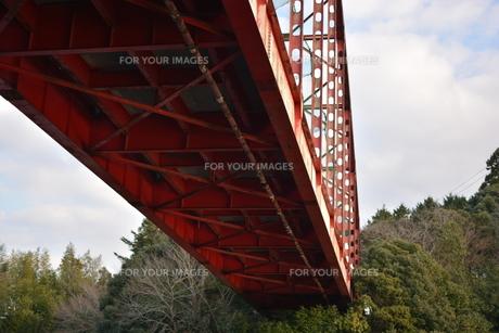 亀山ダムの橋の写真素材 [FYI00261538]