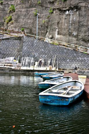 豊英ダムのボート乗り場の写真素材 [FYI00261578]
