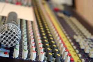 音響装置の操作盤の写真素材 [FYI00261659]