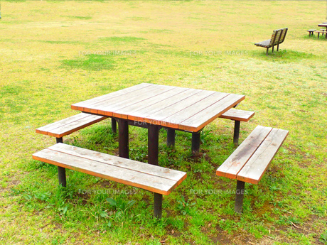 テーブル & ベンチの写真素材 [FYI00261758]