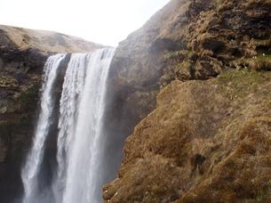 アイスランドの滝の写真素材 [FYI00262734]